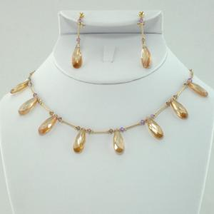 Lumiere 8 Drop in Gold Necklace & Earring Set